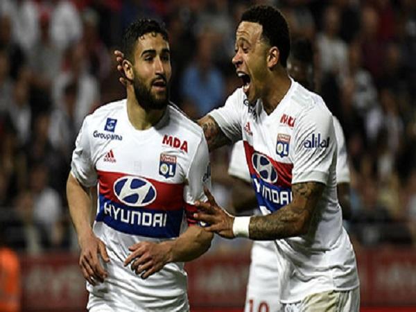Tương lai của Lyon là ở hàng thải Man Utd