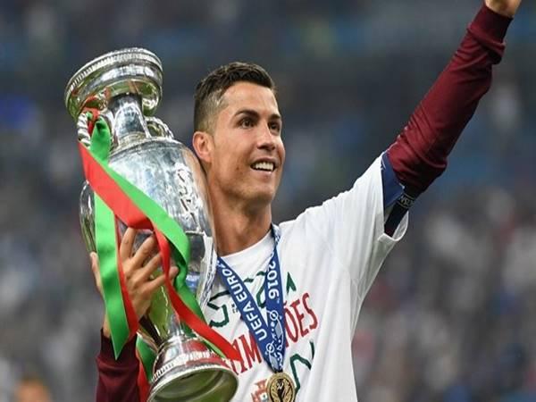 Cristiano Ronaldo là 1, là riêng, là duy nhất!